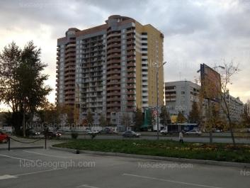 На фото видно: Татищева улица, 53; Токарей улица, 44. Екатеринбург (Свердловская область)