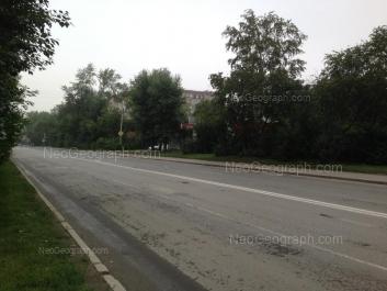 На фото видно: Шефская улица, 60. Екатеринбург (Свердловская область)