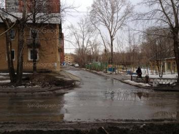На фото видно: Баумана улица, 27; Энтузиастов улица, 20; Энтузиастов улица, 22. Екатеринбург (Свердловская область)