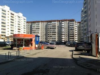 На фото видно: Вилонова улица, 10; Менделеева улица, 18; Менделеева улица, 31. Екатеринбург (Свердловская область)