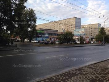 На фото видно: Крауля улица, 63; Крауля улица, 65; Крауля улица, 67. Екатеринбург (Свердловская область)