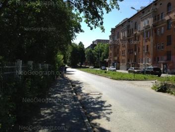 На фото видно: Банникова улица, 3; Банникова улица, 5. Екатеринбург (Свердловская область)