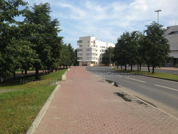 На фото видно: 8 Марта улица, 1. Екатеринбург (Свердловская область)