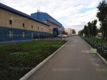 View to: Kosmonavtov avenue, 13; Kosmonavtov avenue, 15. Yekaterinburg (Sverdlovskaya oblast)