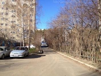 На фото видно: Волгоградская улица, 180; Волгоградская улица, 187. Екатеринбург (Свердловская область)