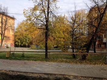 На фото видно: Культуры бульвар, 10; Культуры бульвар, 12; Культуры бульвар, 16. Екатеринбург (Свердловская область)