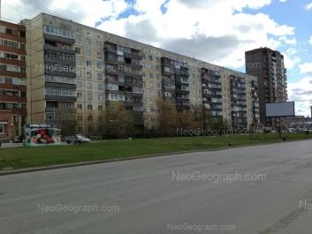 На фото видно: Таватуйская улица, 2; Таватуйская улица, 4. Екатеринбург (Свердловская область)