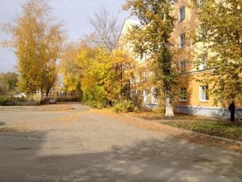 На фото видно: Фестивальная улица, 6. Екатеринбург (Свердловская область)
