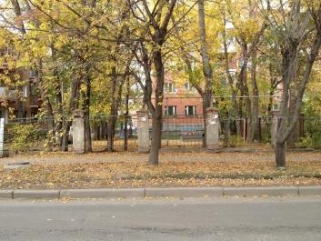 На фото видно: Циолковского улица, 74; Чайковского улица, 62. Екатеринбург (Свердловская область)