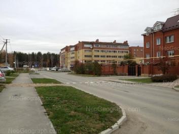 На фото видно: Кольцевая улица, 28; Краснолесья улица, 49. Екатеринбург (Свердловская область)