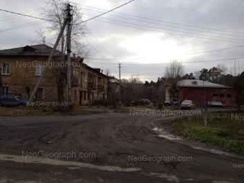 На фото видно: Ухтомская улица, 16А; Черкасская улица, 26. Екатеринбург (Свердловская область)