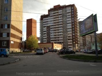 На фото видно: Викулова улица, 59 к3; Викулова улица, 59 к2; Репина улица, 93. Екатеринбург (Свердловская область)