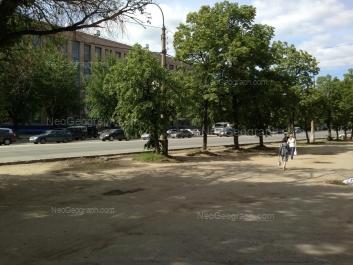 На фото видно: Машиностроителей улица, 19. Екатеринбург (Свердловская область)