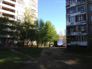 На фото видно: Амундсена улица, 54/1; Амундсена улица, 54/2; Амундсена улица, 54Б (Детский сад №14). Екатеринбург (Свердловская область)