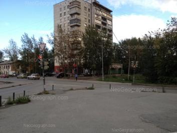 На фото видно: Библиотечная улица, 52; Библиотечная улица, 54. Екатеринбург (Свердловская область)
