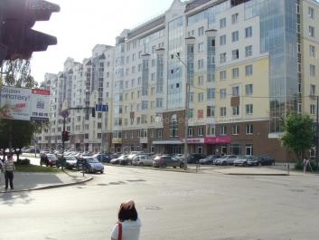 На фото видно: Большакова улица, 75. Екатеринбург (Свердловская область)