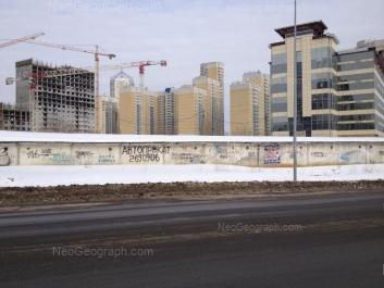На фото видно: Библиотечная улица, 45; Комсомольская улица, 76; Комсомольская улица, 78. Екатеринбург (Свердловская область)
