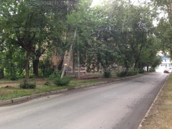 На фото видно: Ломоносова улица, 157. Екатеринбург (Свердловская область)