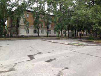 На фото видно: Кировградская улица, 33; Кировградская улица, 35. Екатеринбург (Свердловская область)