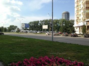 На фото видно: Маршала Жукова улица, 14 (Жилой дом, 19 этажей). Екатеринбург (Свердловская область)