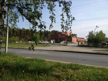 View to: Akademika Bardina street, 26. Yekaterinburg (Sverdlovskaya oblast)