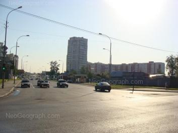 На фото видно: Фурманова улица, 125; Фурманова улица, 127. Екатеринбург (Свердловская область)