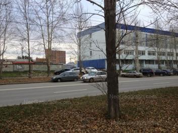 На фото видно: Амундсена улица, 107. Екатеринбург (Свердловская область)