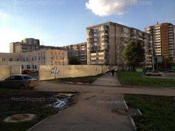 View to: Samotsvetniy boulevard, 6; Samotsvetniy boulevard, 8 (Детский сад №223); Akademika Shvartsa street, 2 к3. Yekaterinburg (Sverdlovskaya oblast)