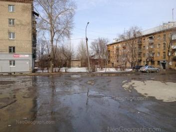 На фото видно: Калиновский переулок, 13; Корепина улица, 22; Корепина улица, 24; Стачек улица, 5. Екатеринбург (Свердловская область)