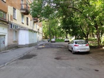 На фото видно: Машиностроителей улица, 14; Машиностроителей улица, 18. Екатеринбург (Свердловская область)