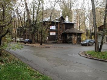 На фото видно: Онежская улица, 4к1; Онежская улица, 4к4. Екатеринбург (Свердловская область)