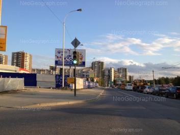 На фото видно: 8 Марта улица, 185; 8 Марта улица, 185/2. Екатеринбург (Свердловская область)