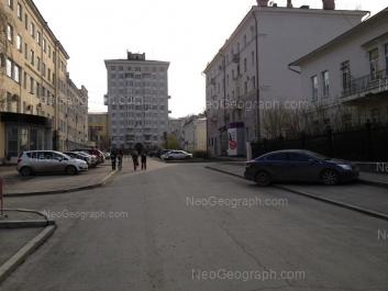 На фото видно: Химиков переулок, 2; Химиков переулок, 3; Химиков переулок, 4; 8 Марта улица, 2; 8 Марта улица, 4. Екатеринбург (Свердловская область)