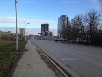 На фото видно: Ткачей улица, 23 (Clever Park, бизнес-центр); Фурманова улица, 1. Екатеринбург (Свердловская область)