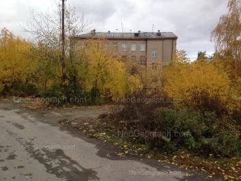 View to: Zavodskaya street, 45 (Менталитет, гимназия №202). Yekaterinburg (Sverdlovskaya oblast)