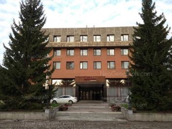 На фото видно: Софьи Ковалевской улица, 17. Екатеринбург (Свердловская область)