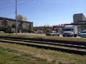 На фото видно: Панельная улица, 9; Панельная улица, 11; Сыромолотова улица, 28А. Екатеринбург (Свердловская область)