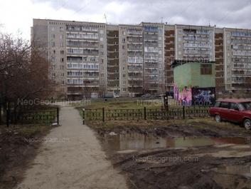 На фото видно: Опалихинская улица, 26. Екатеринбург (Свердловская область)