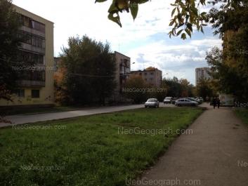 На фото видно: Авиационная улица, 75; Авиационная улица, 80; Авиационная улица, 81; Чайковского улица, 87. Екатеринбург (Свердловская область)