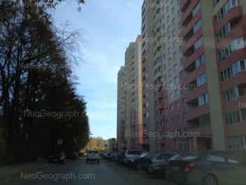 На фото видно: Эскадронная улица, 29; Эскадронная улица, 31. Екатеринбург (Свердловская область)