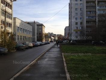 На фото видно: Луначарского улица, 171а; Энгельса улица, 31; Энгельса улица, 38. Екатеринбург (Свердловская область)