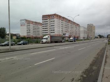 View to: Bakinskikh Komissarov street, 107; Bakinskikh Komissarov street, 109; Bakinskikh Komissarov street, 113; Izbirateley street, 110. Yekaterinburg (Sverdlovskaya oblast)