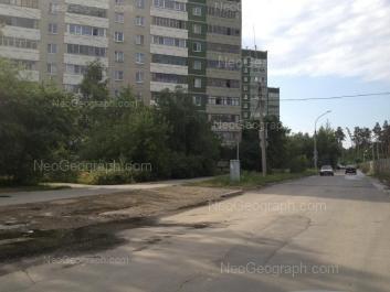 View to: Serafimi Deriyabinoy street, 55/1; Serafimi Deriyabinoy street, 55/2. Yekaterinburg (Sverdlovskaya oblast)