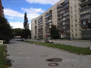 На фото видно: Большакова улица, 107; Сурикова улица, 7. Екатеринбург (Свердловская область)