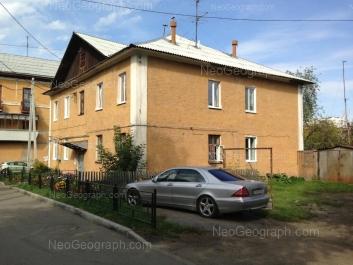 На фото видно: Заводская улица, 15 к6. Екатеринбург (Свердловская область)