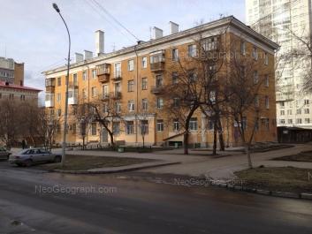 На фото видно: Красный переулок, 5/2; Ерёмина улица, 6; Мельковская улица, 12. Екатеринбург (Свердловская область)