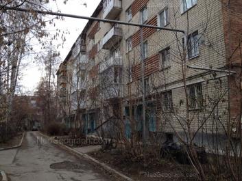На фото видно: Встречный переулок, 7/1. Екатеринбург (Свердловская область)