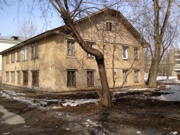 На фото видно: Бабушкина улица, 14. Екатеринбург (Свердловская область)