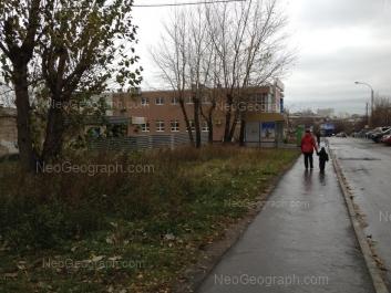 На фото видно: Блюхера улица, 47. Екатеринбург (Свердловская область)
