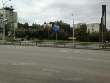 На фото видно: Токарей улица, 56 к1; Токарей улица, 58 к1; Токарей улица, 60 к1. Екатеринбург (Свердловская область)